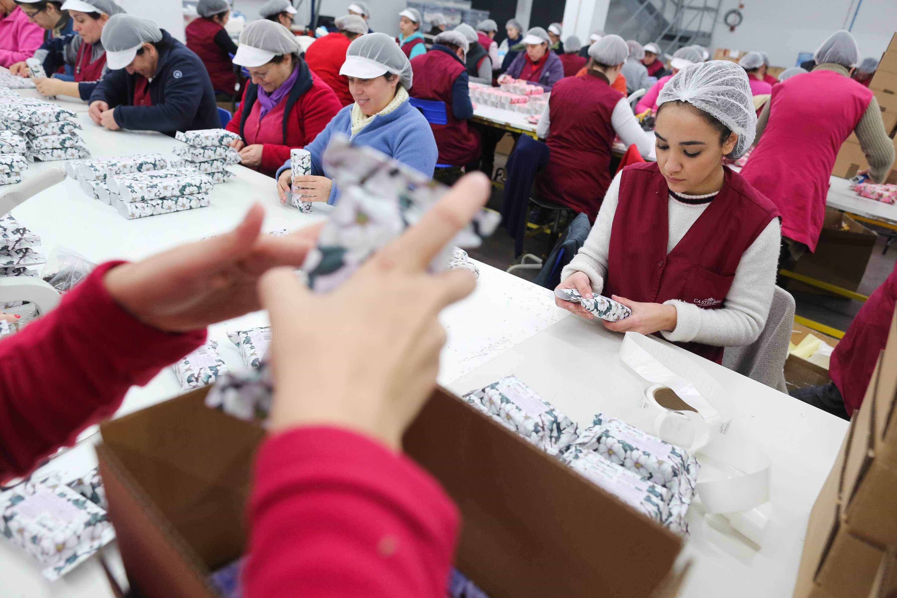 Constituição de empresas cresce 21,4% até fevereiro para 11 mil