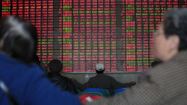 Bolsa de Xangai sobe 5,6% no fecho após Trump adiar taxas nas importações