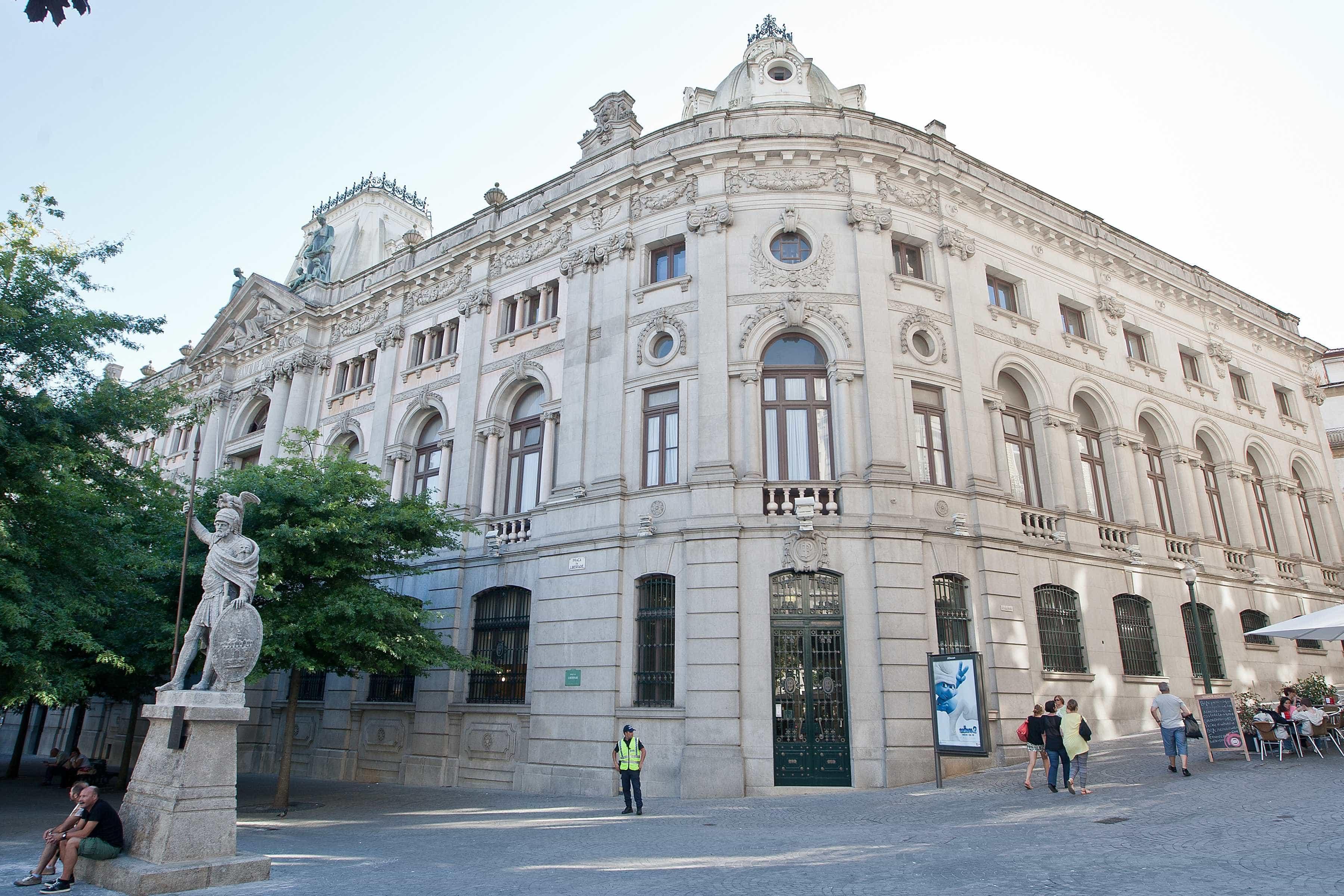 Contas de serviços mínimos bancários cresceram 32,6% em 2018