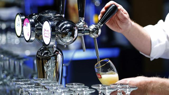 Militares em exercício da NATO acabaram com stock de cerveja desta cidade