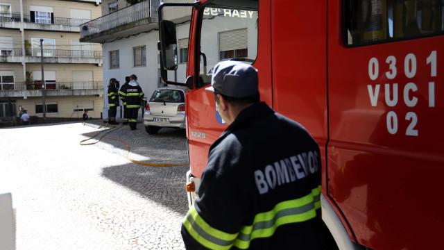 Incêndio junto a posto de combustível lançou o pânico em Setúbal