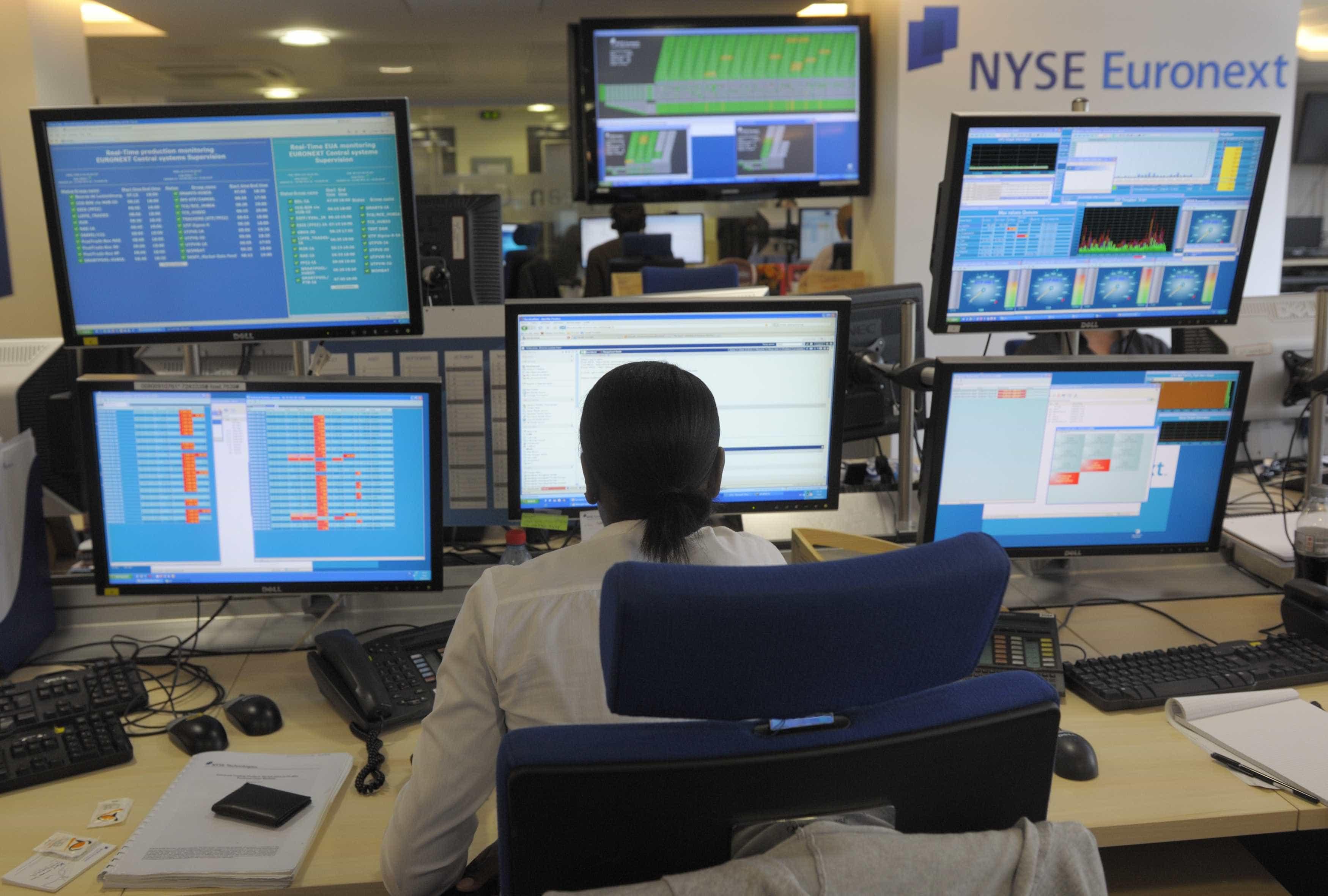 Bolsas europeias em alta mas preocupadas com Brexit