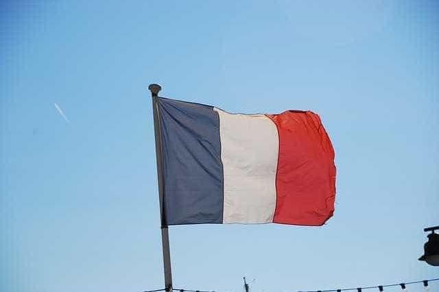 UE/Previsões: PIB de França deverá crescer 1,7% em 2018 e em 2019