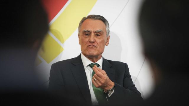 Cavaco diz que saída do euro não é uma opção