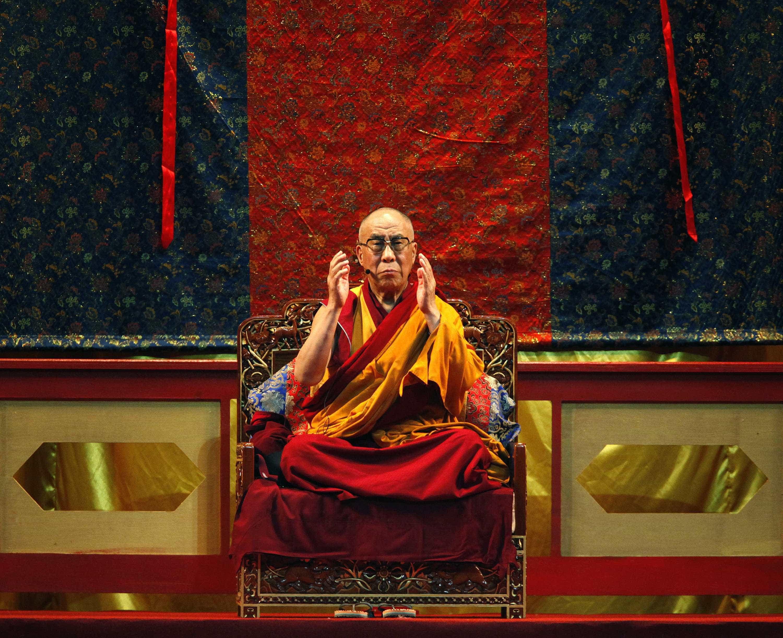 Dalai Lama admitiu ter conhecimento de casos de abusos de mestres