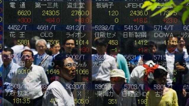 Queda na bolsa atinge fortunas dos milionários do parlamento chinês