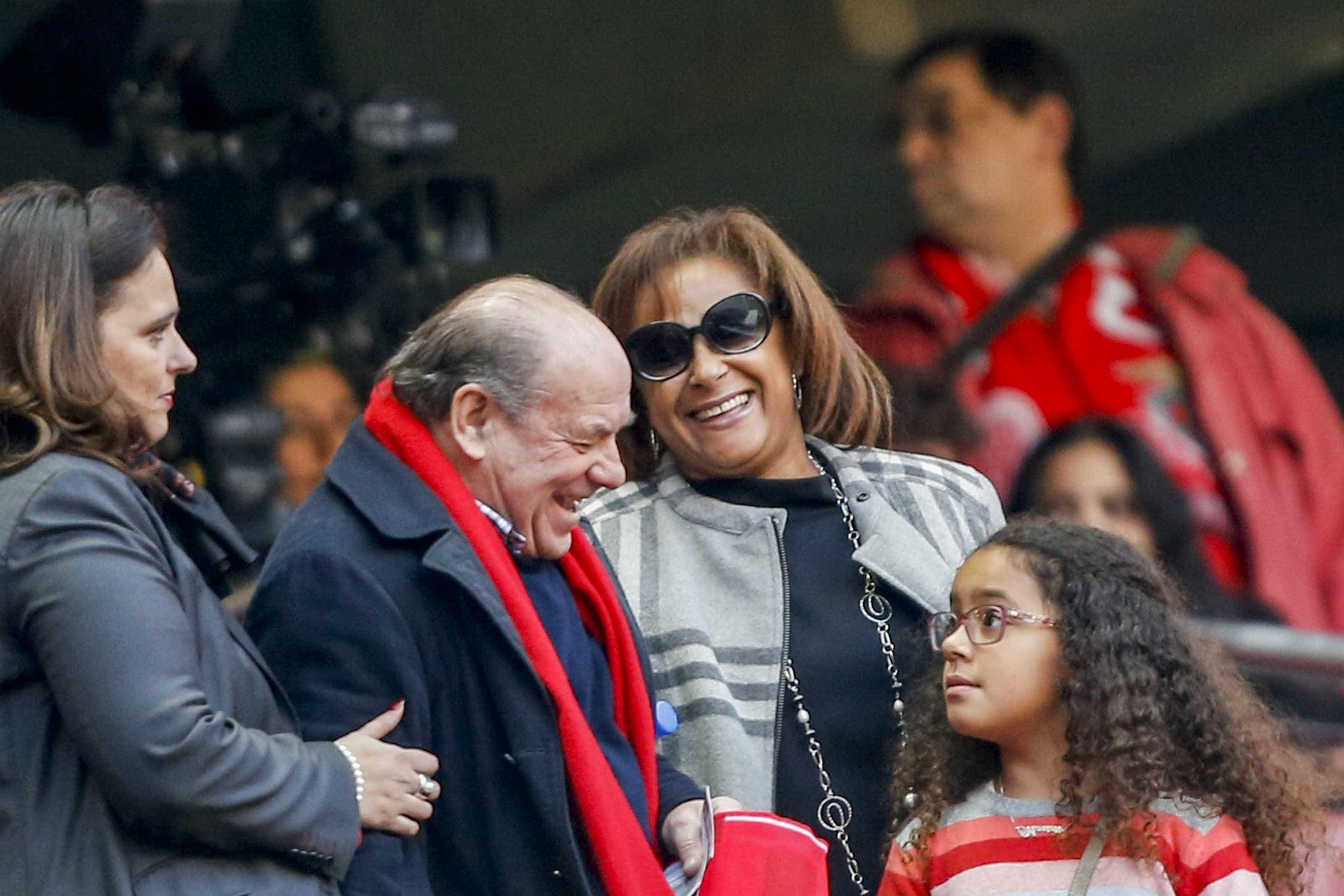 """Simões encerra polémica em nome do """"futuro radioso"""" do Benfica"""