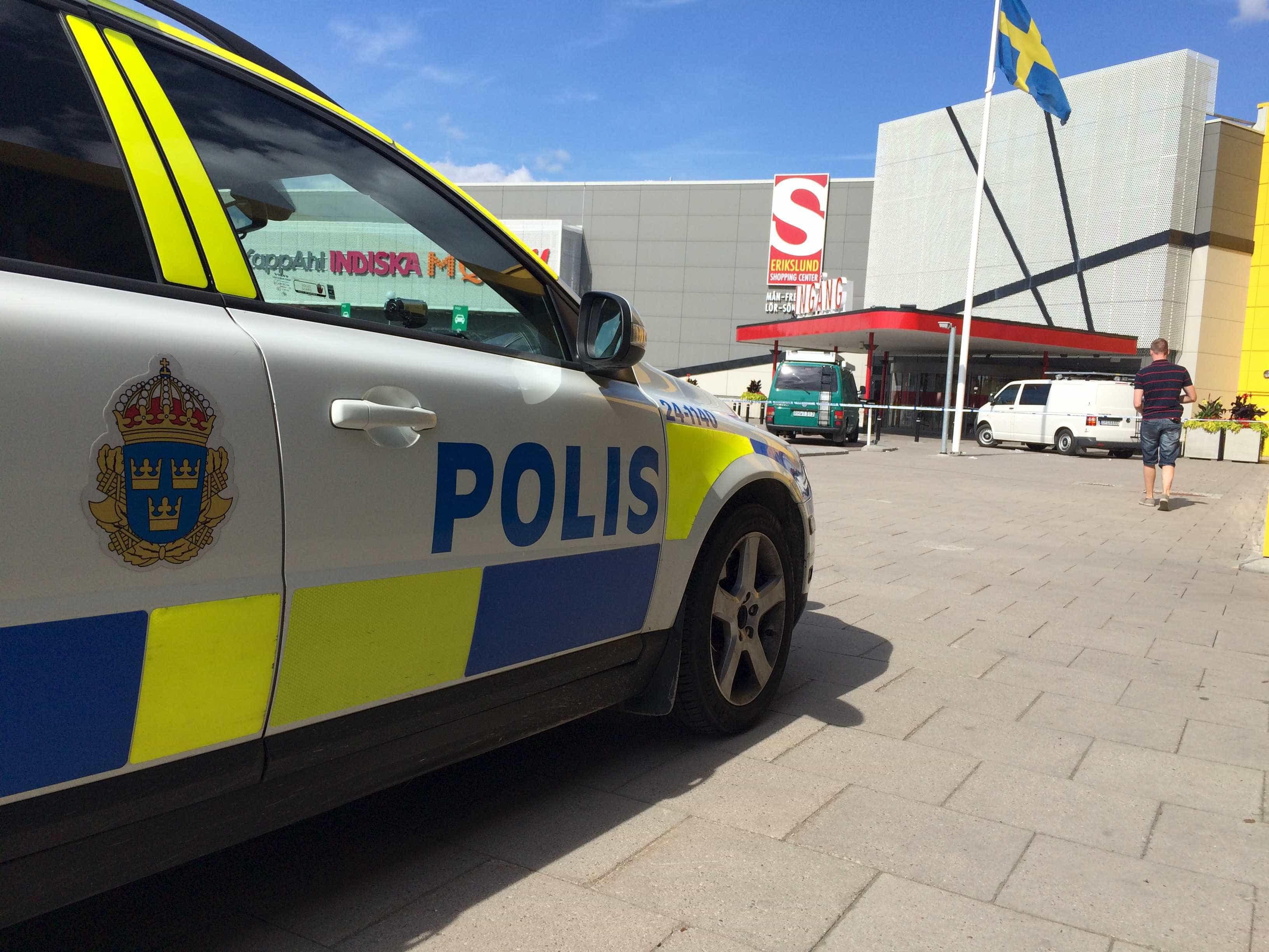 Autocarro movido a gás explode e lança nuvem de fumo sobre Estocolmo