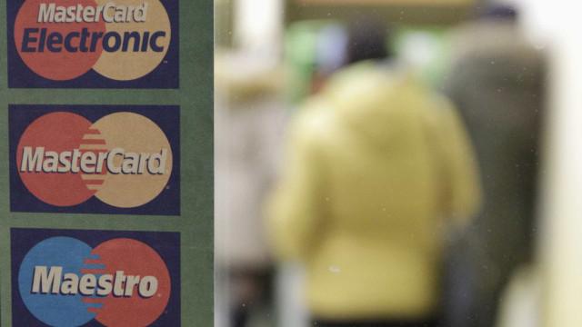 Bruxelas multa Mastercard em 570 milhões por abuso de posição dominante