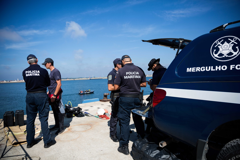Resgate em curso por homem de 70 anos na Praia da Calada em Mafra