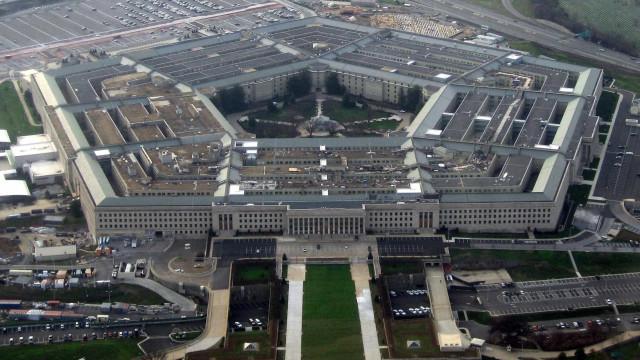 Pentágono autoriza mil milhões de dólares para construção de muro