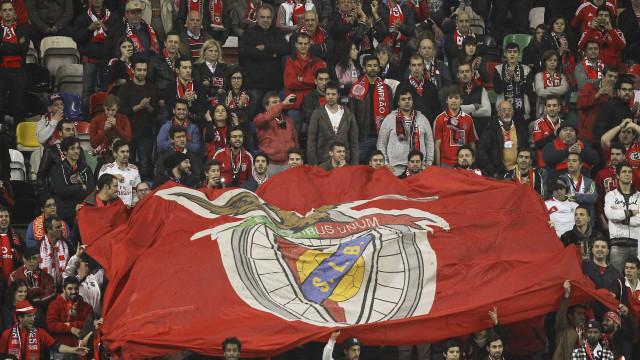 Benfica 'atira-se' de forma dura à arbitragem do Santa Clara-FC Porto