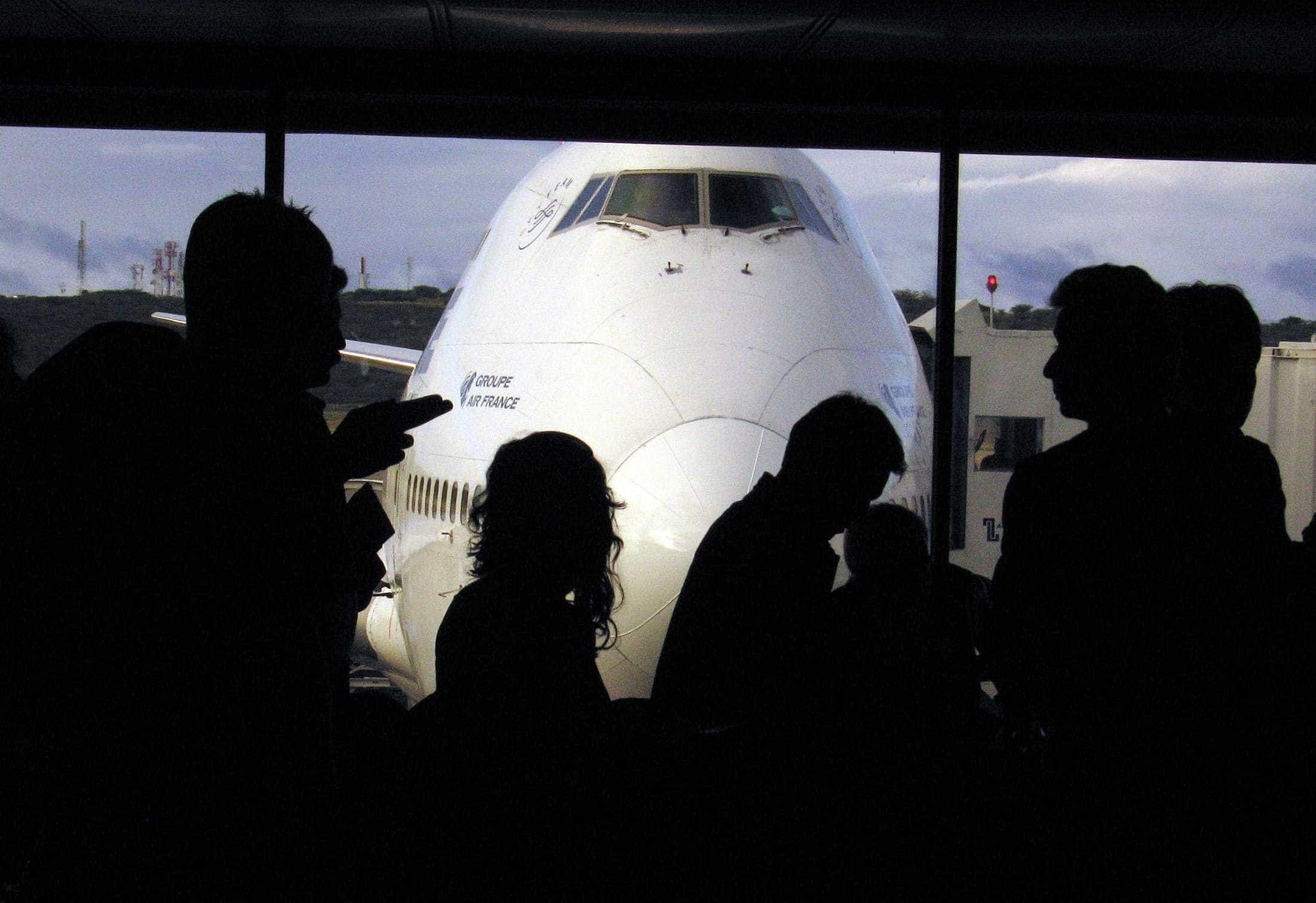 Mais de 30 aviões que saíram de Portugal abasteceram-se em Espanha