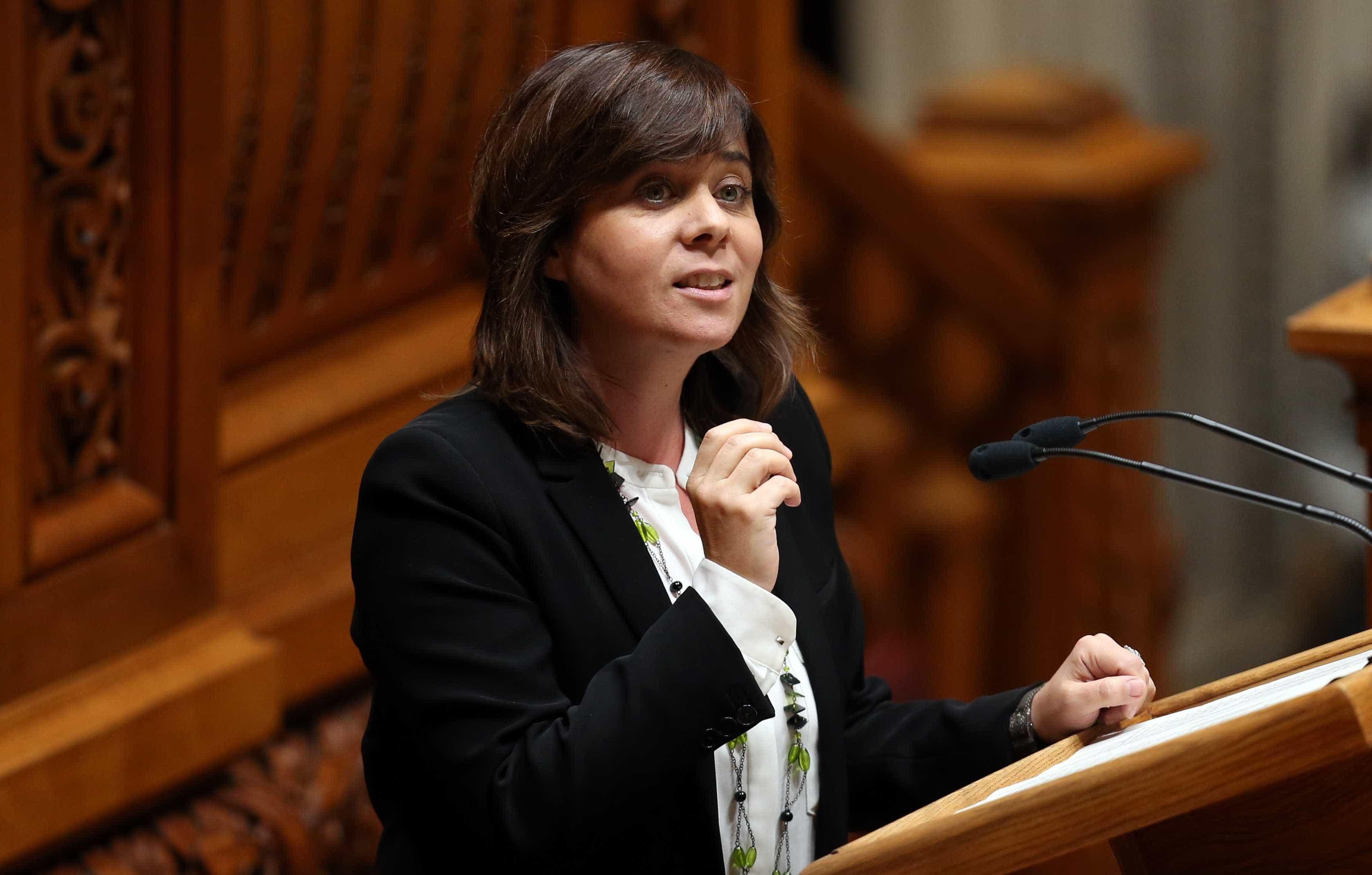 Catarina Martins anuncia projeto de lei para aumentar a rede ferroviária
