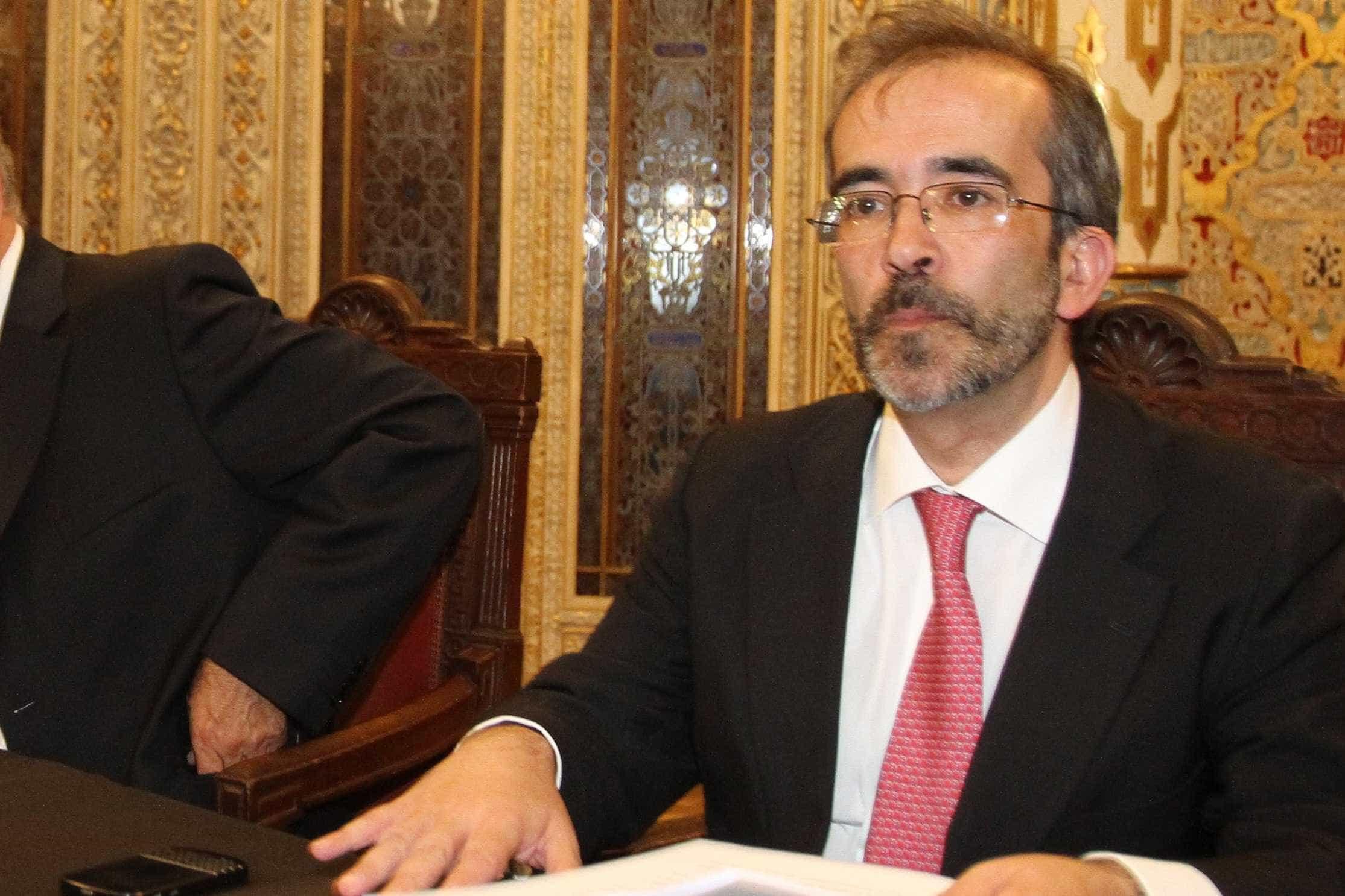 """Paulo Rangel apela à intervenção de """"atores públicos"""" contra 'fake news'"""
