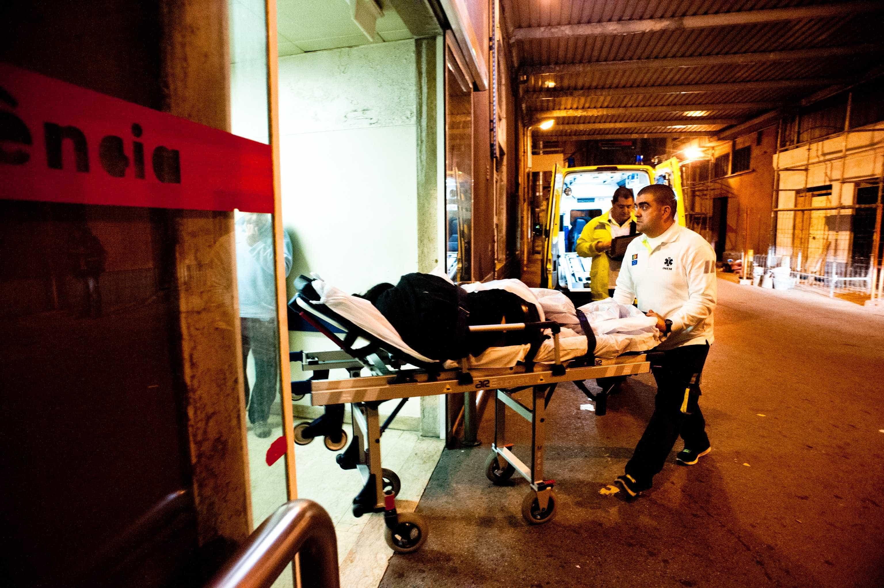 Médico esfaqueado por doente no hospital de Peniche