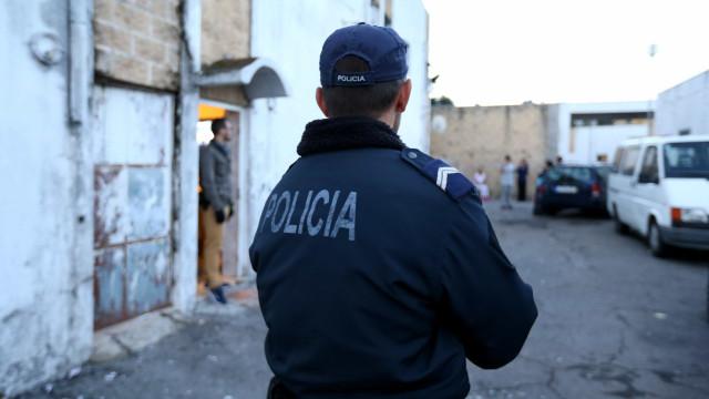 Loures: Homem detido em flagrante delito a agredir companheira grávida