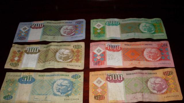 Kwanza volta a depreciar-se e ultrapassa novamente os 350 kzs/euro