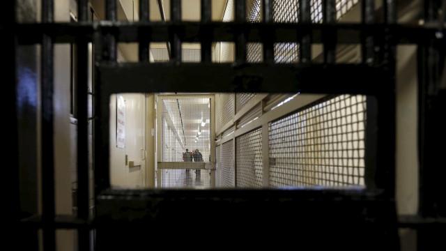 Identificado recluso que filmou e divulgou imagens da cadeia do Linhó