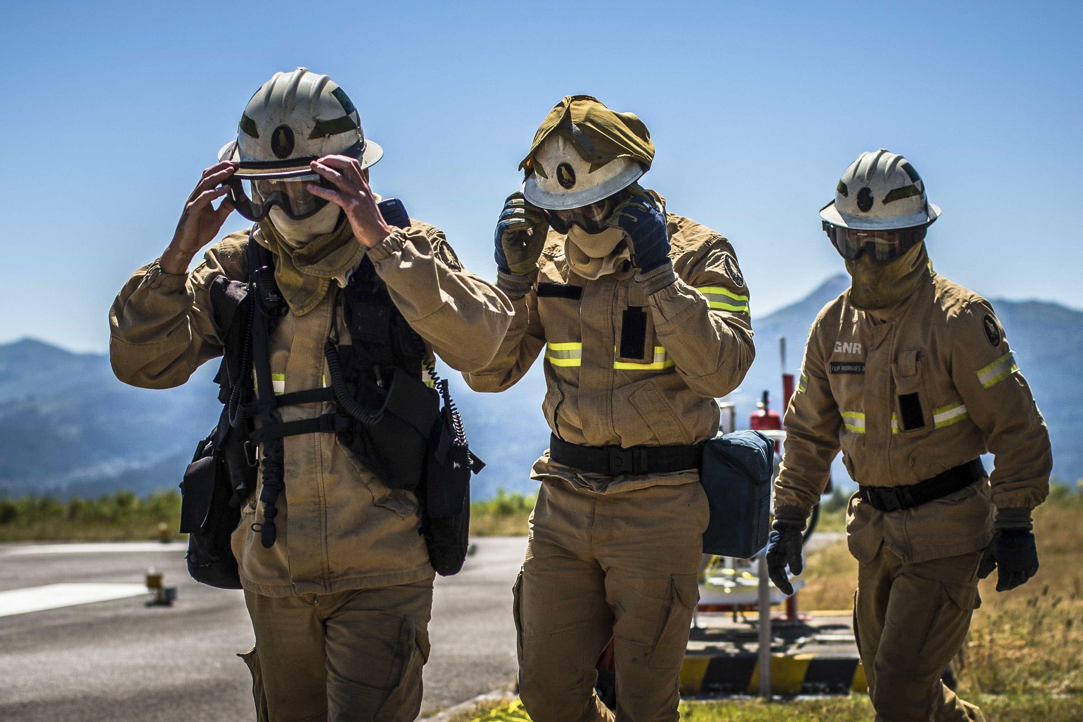 Cinco militares da GNR feridos em fogo em Mourão