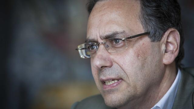 """Professores: PS critica proposta """"faz de conta"""" do PSD"""
