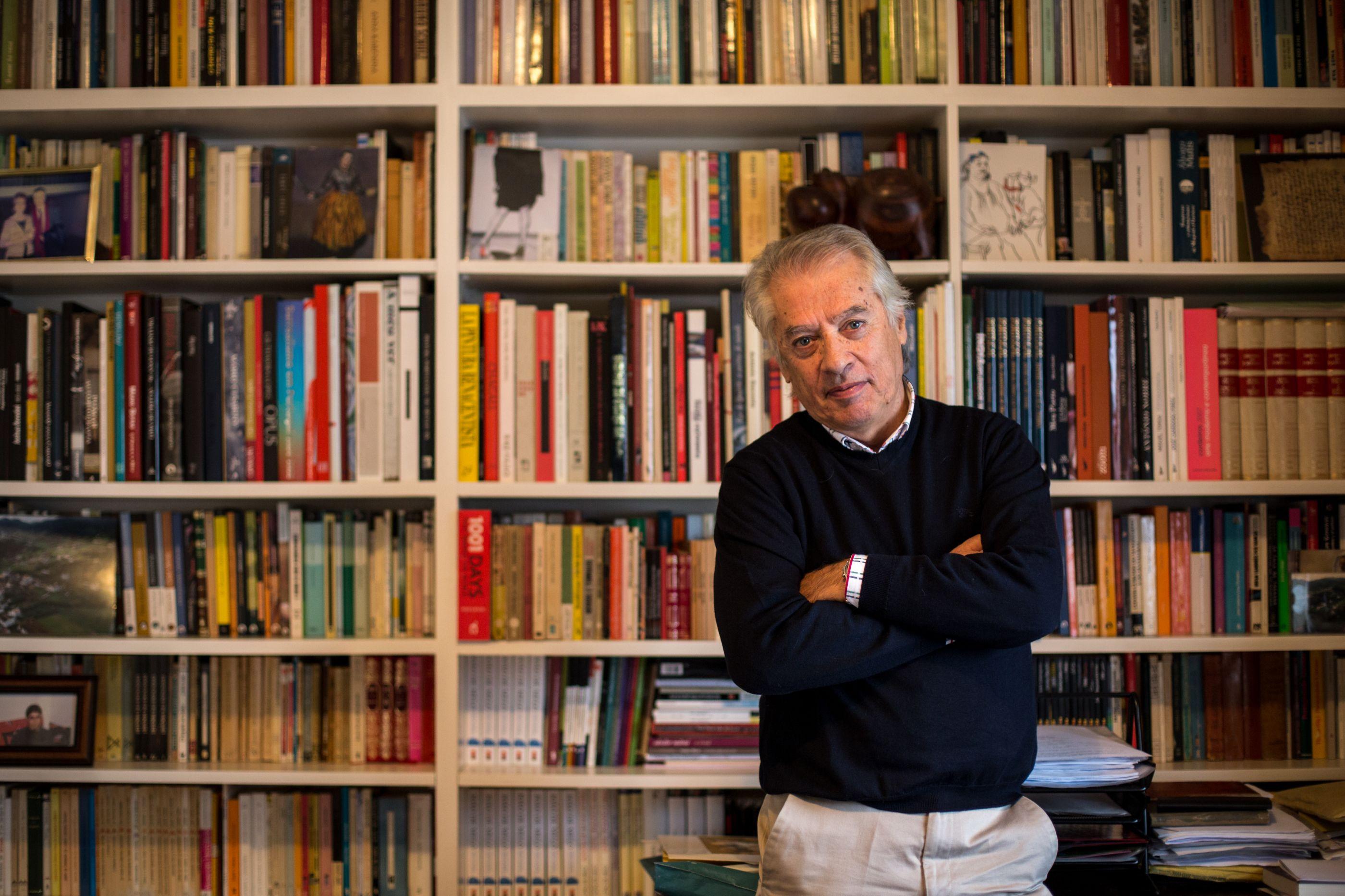 Escritor João de Melo distinguido com a Medalha de Mérito Cultural
