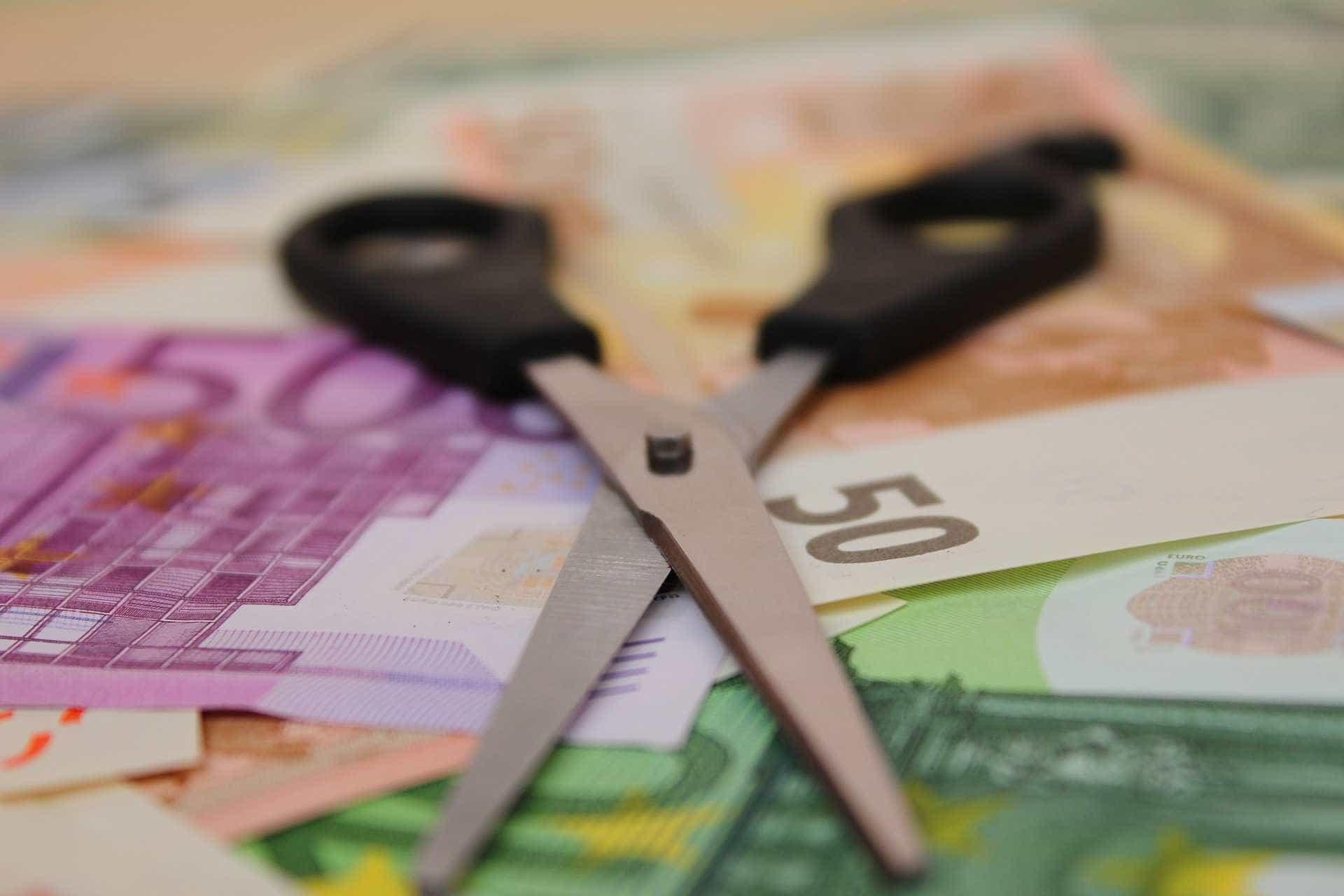 Comprar menos e poupar mais? Eis 10 dicas para controlar o consumismo