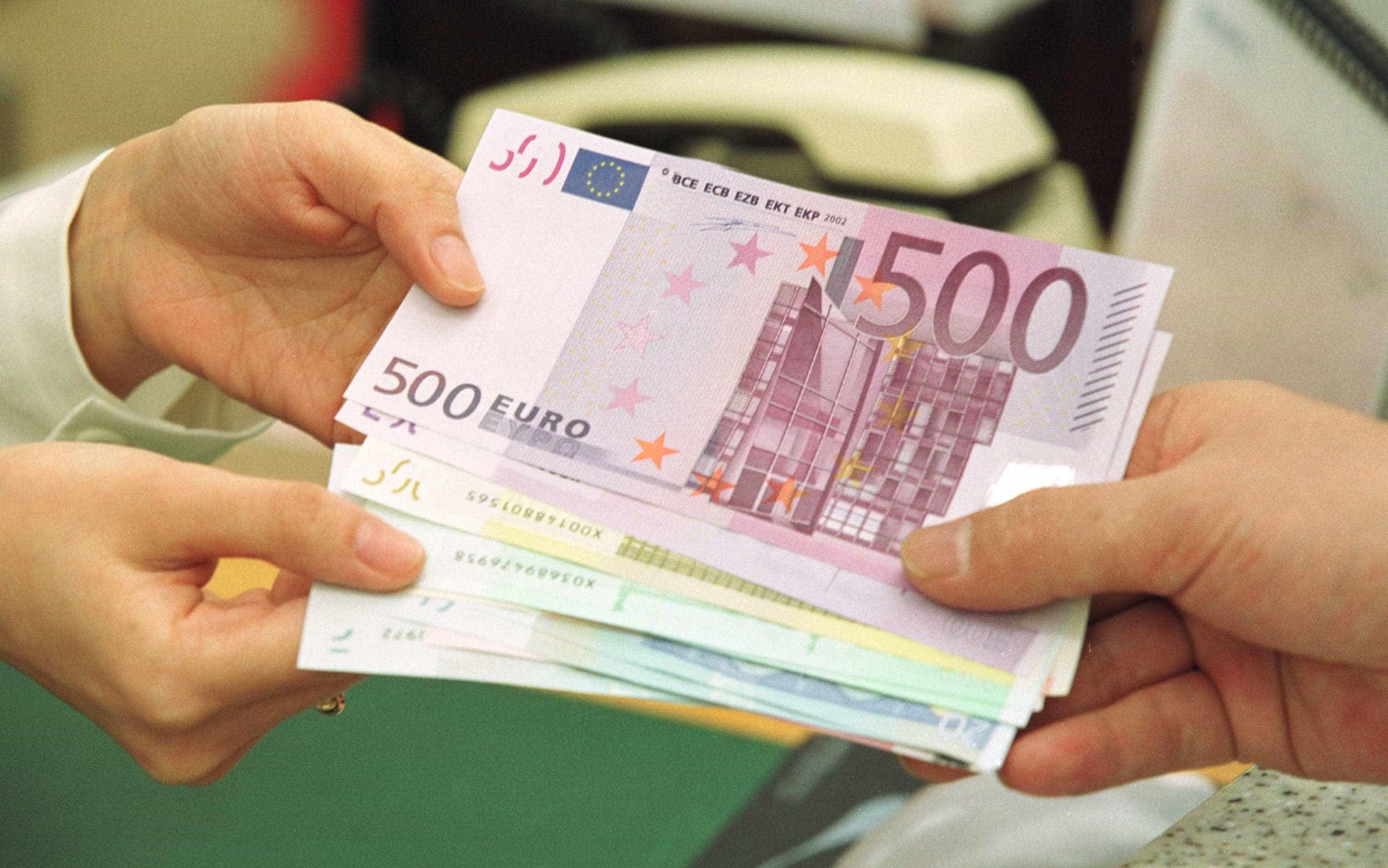 Oito banqueiros em Portugal ganharam mais de um milhão em 2017