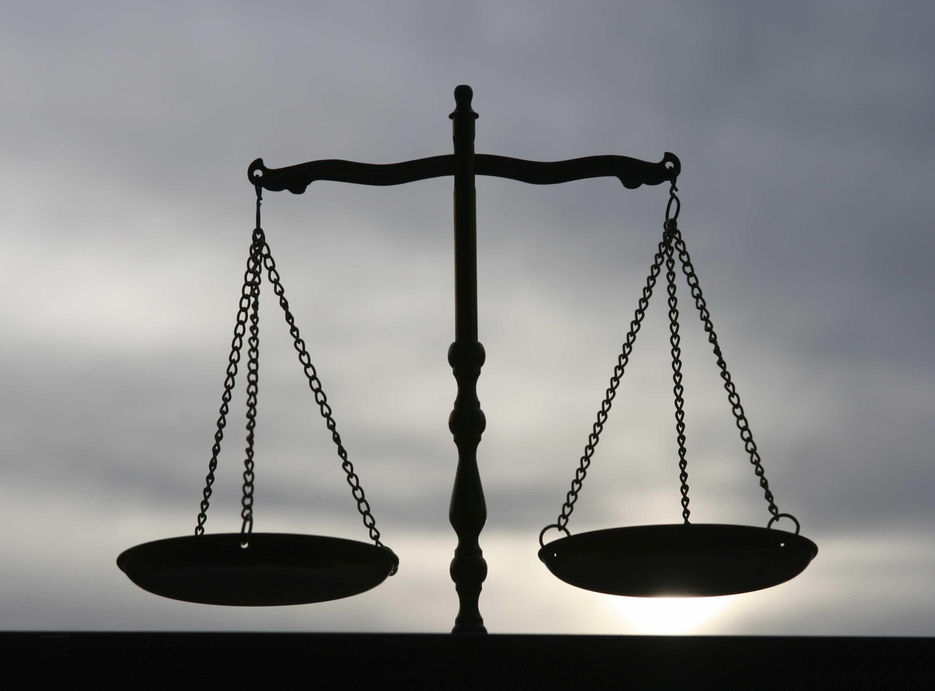 Nove anos de prisão para casal que obrigava filhos a mendigar e furtar
