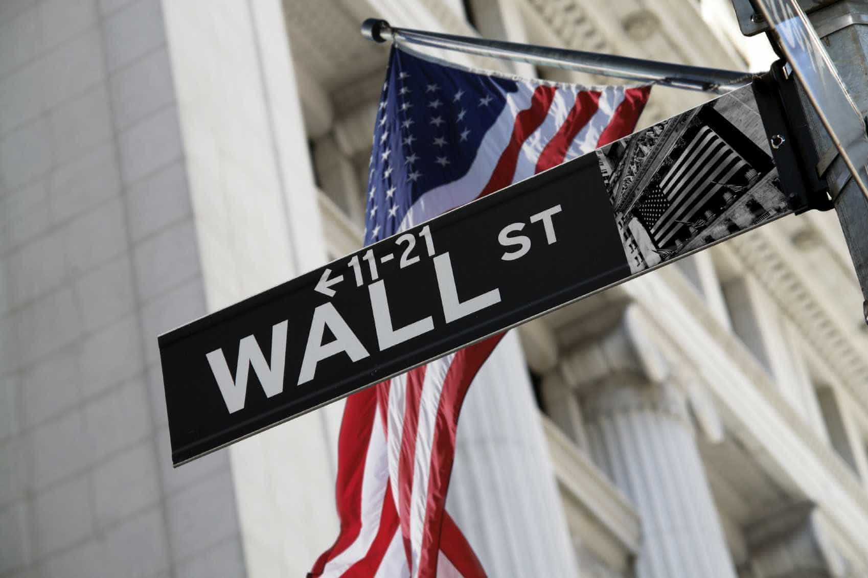 Wall Street fecha em forte baixa, analista fala em naufrágio
