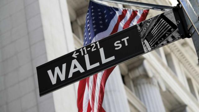 Wall Street começa sem rumo semana carregada de resultados empresariais