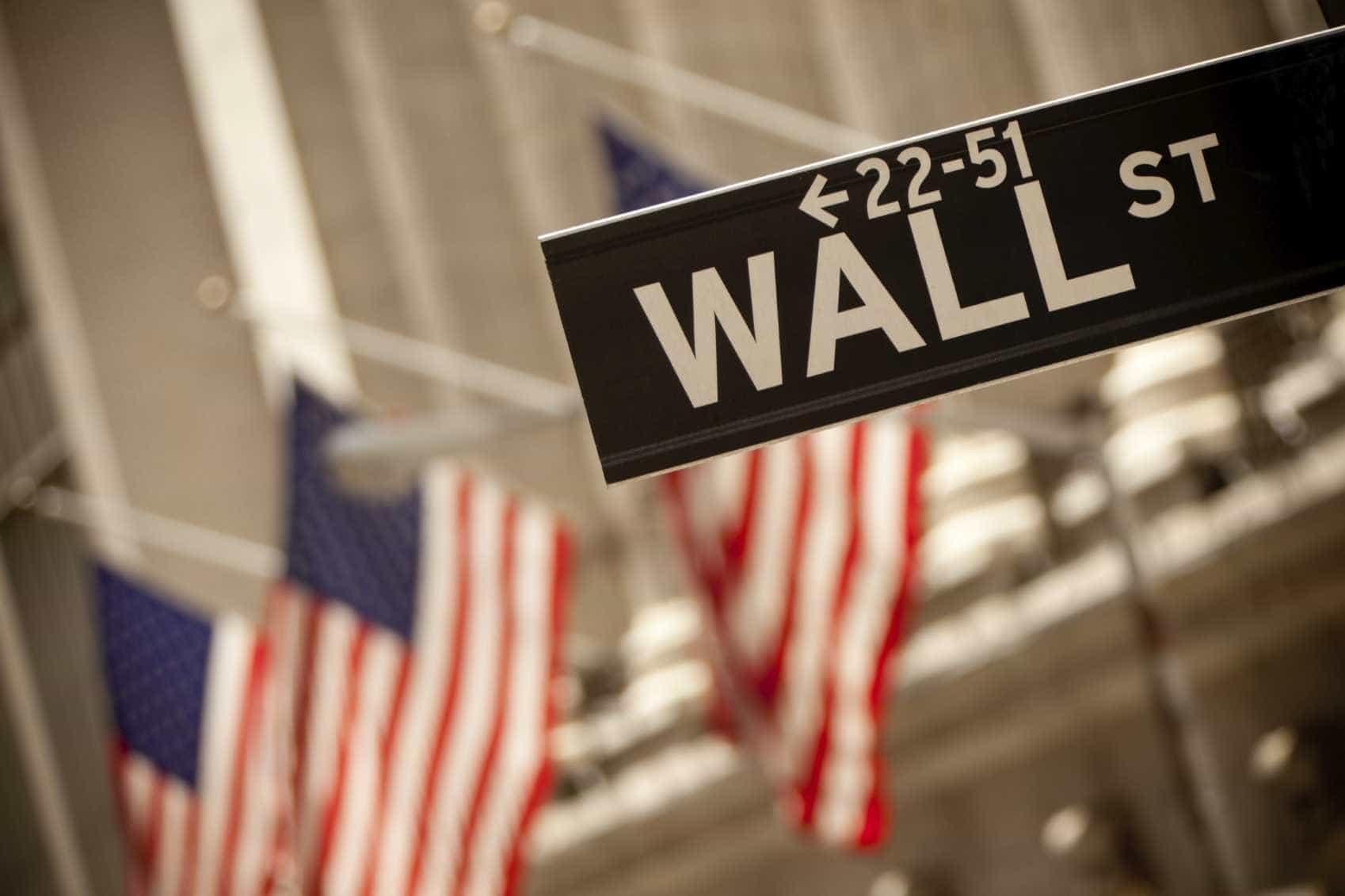 Wall Street fecha em alta graças à banca e energia