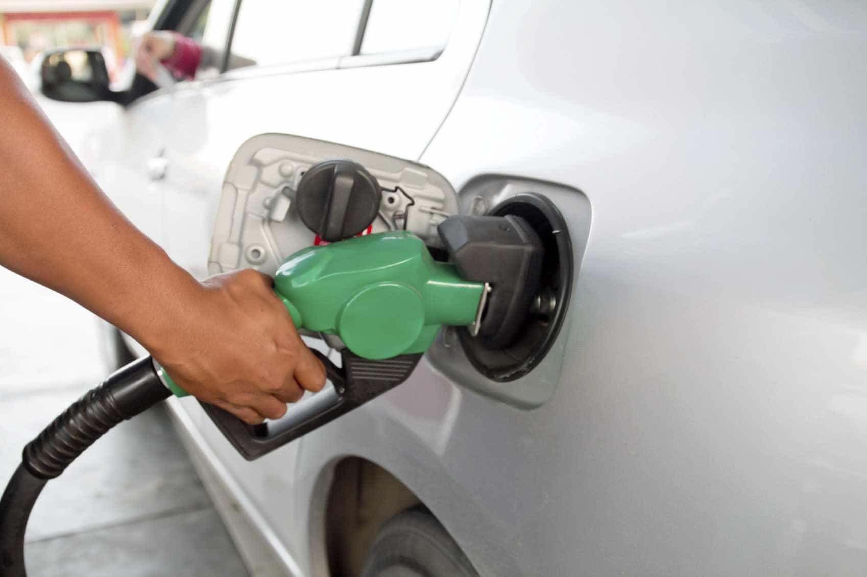 Preços dos combustíveis sofrem alívio na próxima semana