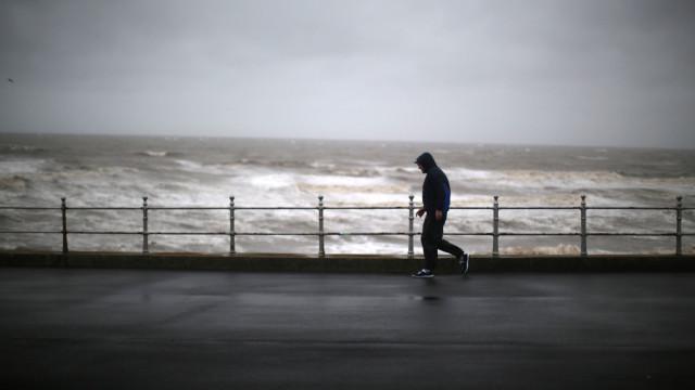Marinha alerta para agravamento do estado do mar a partir desta madrugada