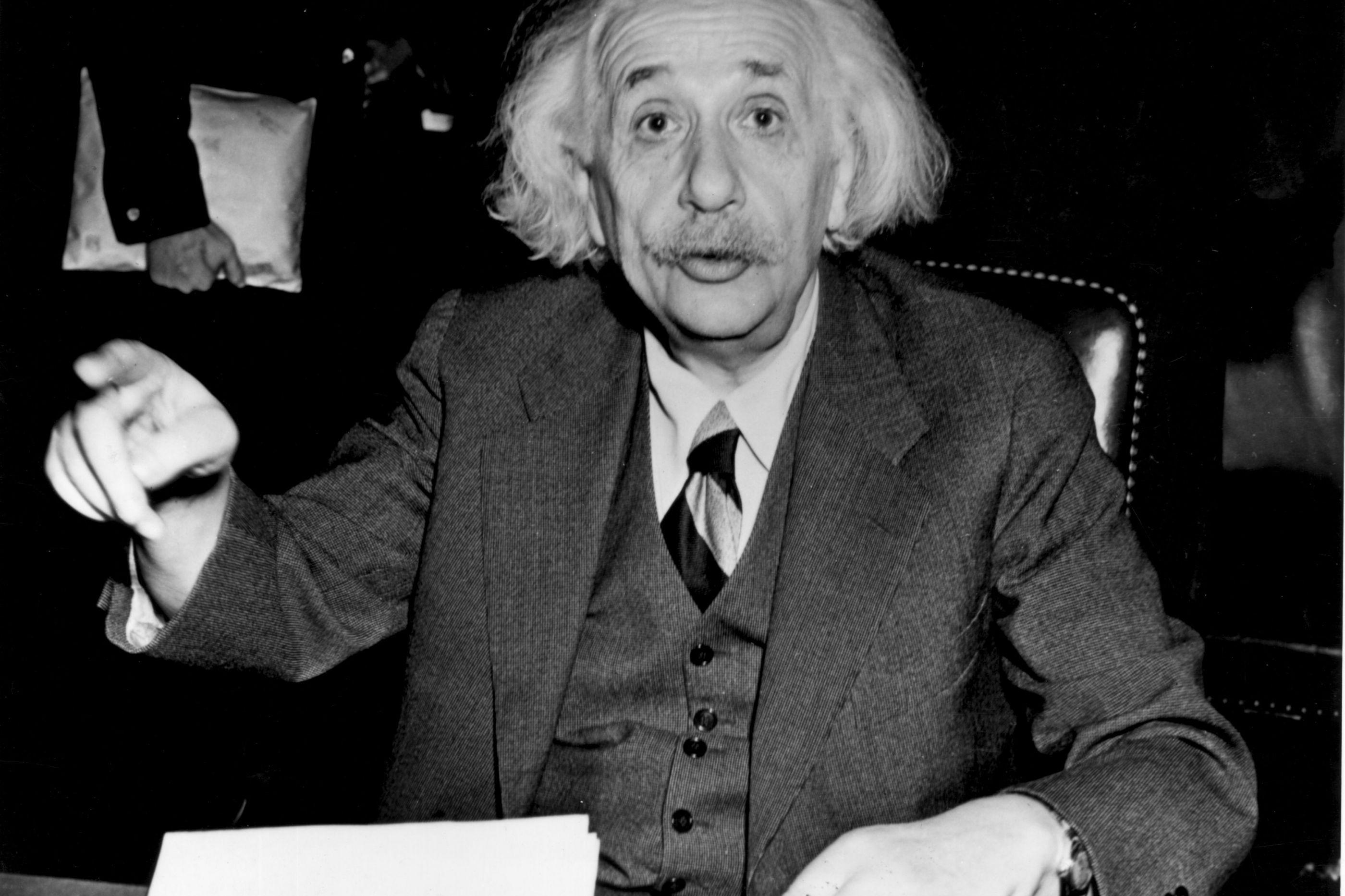 A 'carta de Deus' de Einstein rende mais de 2,55 milhões em leilão