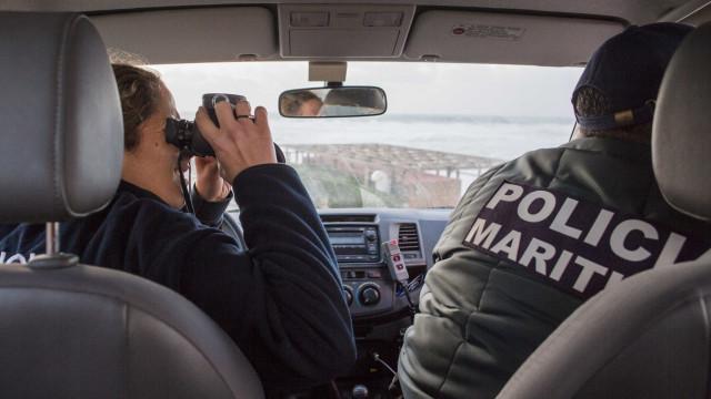 Homem encontra munição das Forças Armadas em areal de Tróia