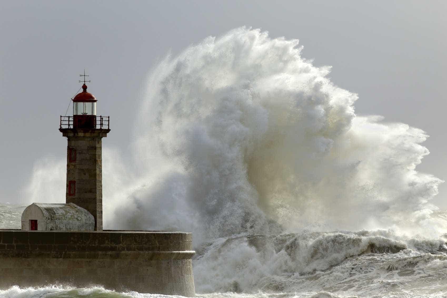 Toda a costa portuguesa sob aviso laranja devido à agitação marítima
