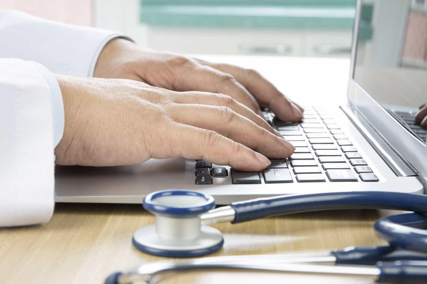 """Médico usa evidência científica para desmontar """"mitos e crenças na saúde"""""""