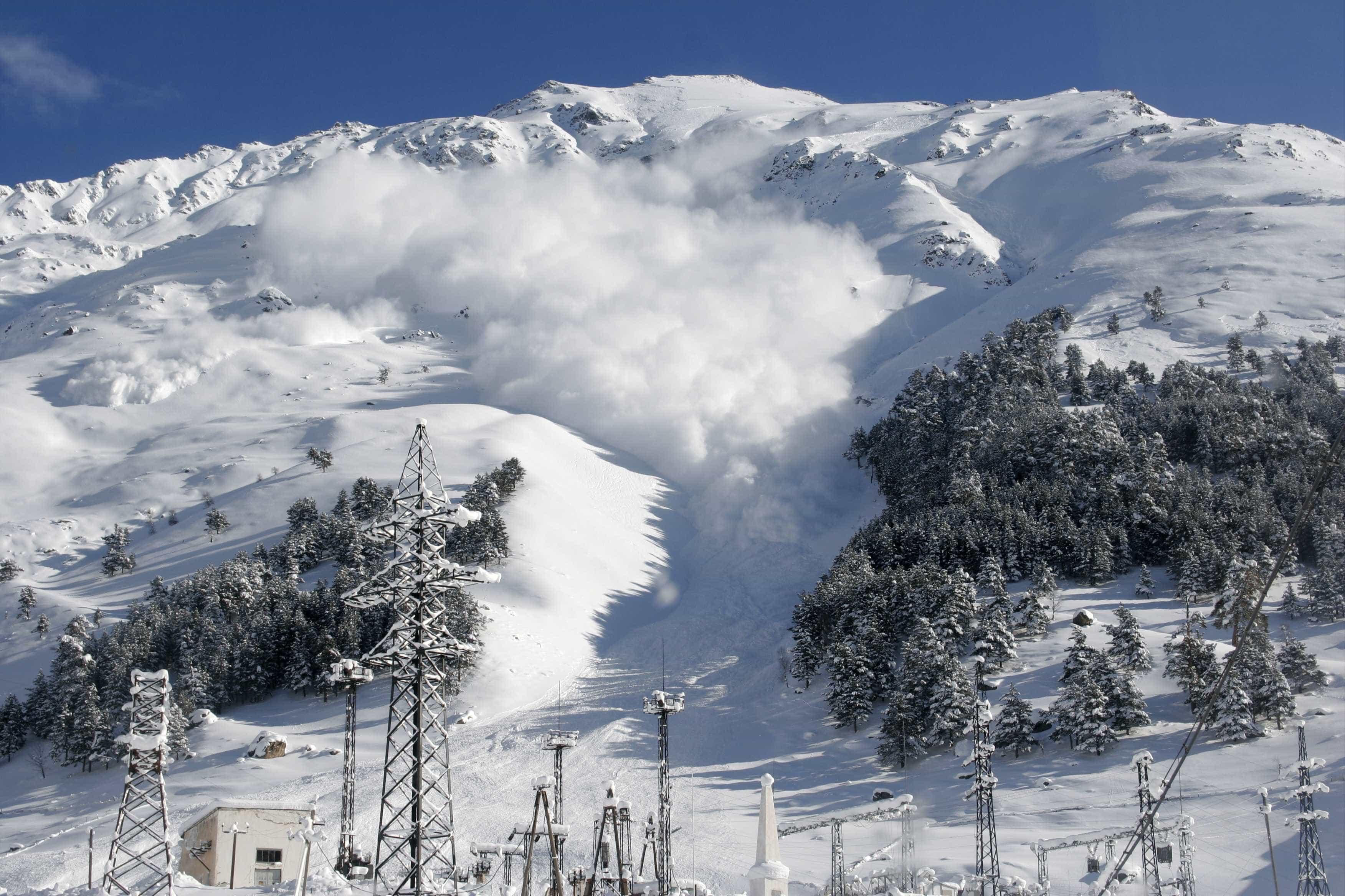 Avalanche na Noruega. Há pelo menos quatro pessoas desaparecidas