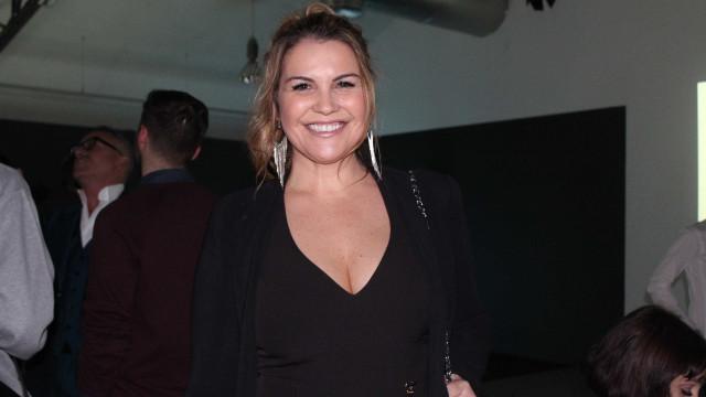 """Katia Aveiro: """"Dizem por aí que eu tenho cara de grávida de menina"""""""