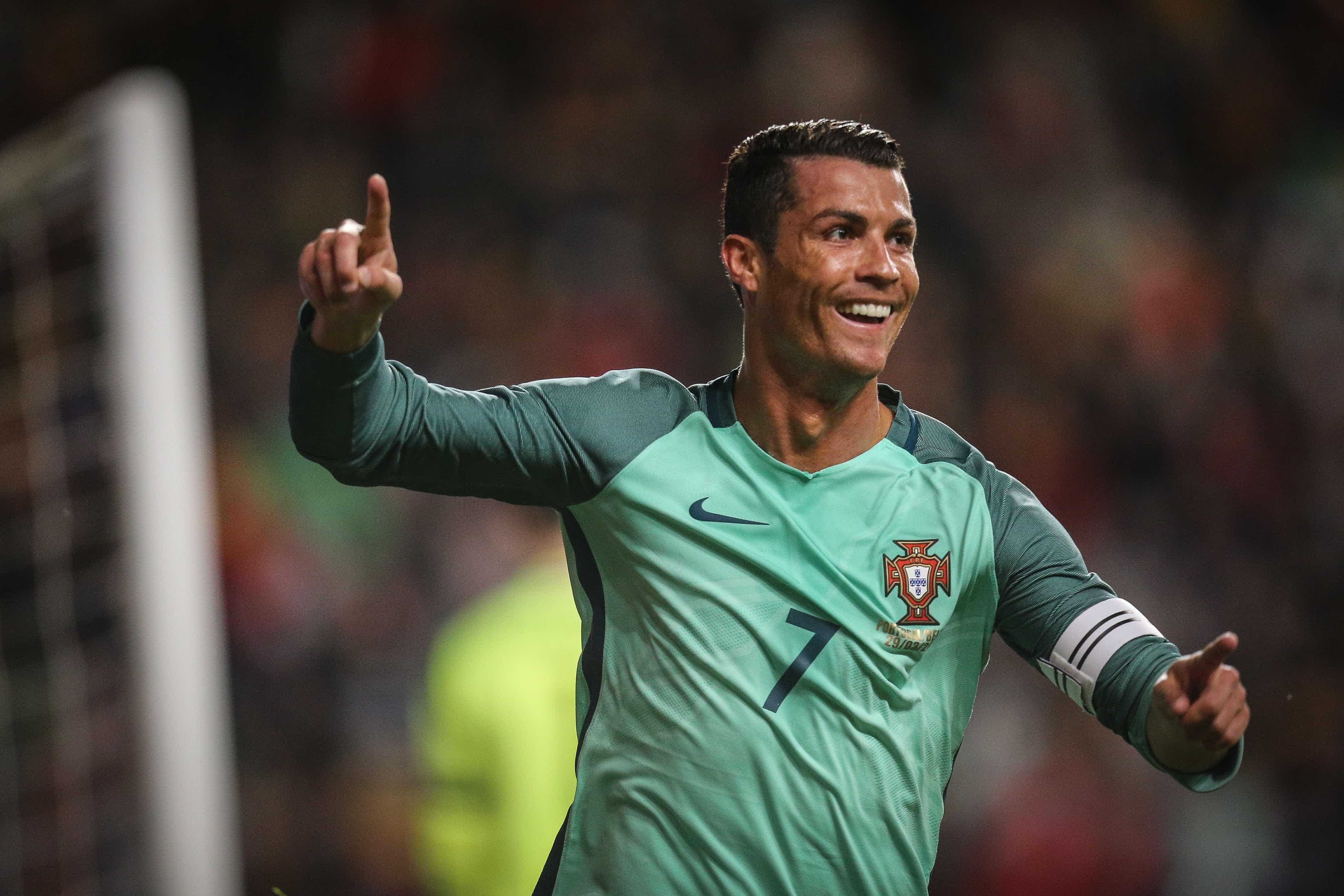Três novos alvos e um velho conhecido na 'mira' de Ronaldo