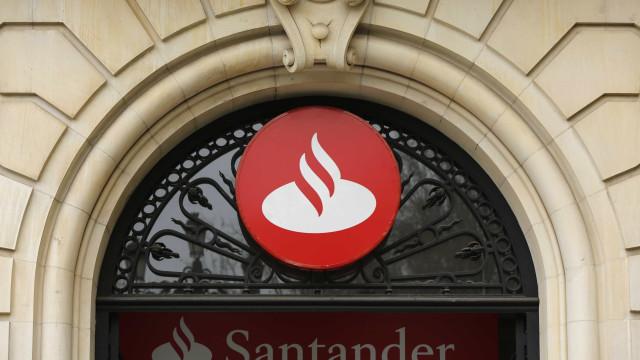 Santander planeia fechar um quinto das agências no Reino Unido