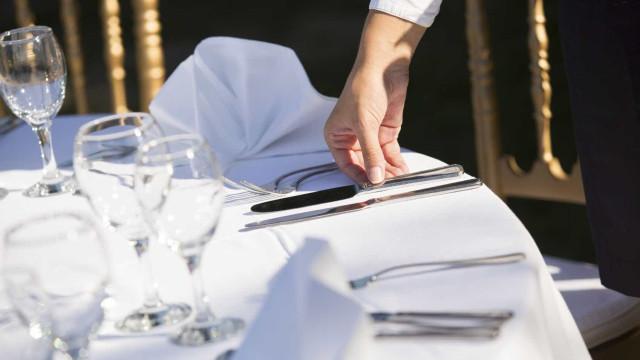 Restaurante do Porto acusado de trabalho ilegal e de pagar fora de horas