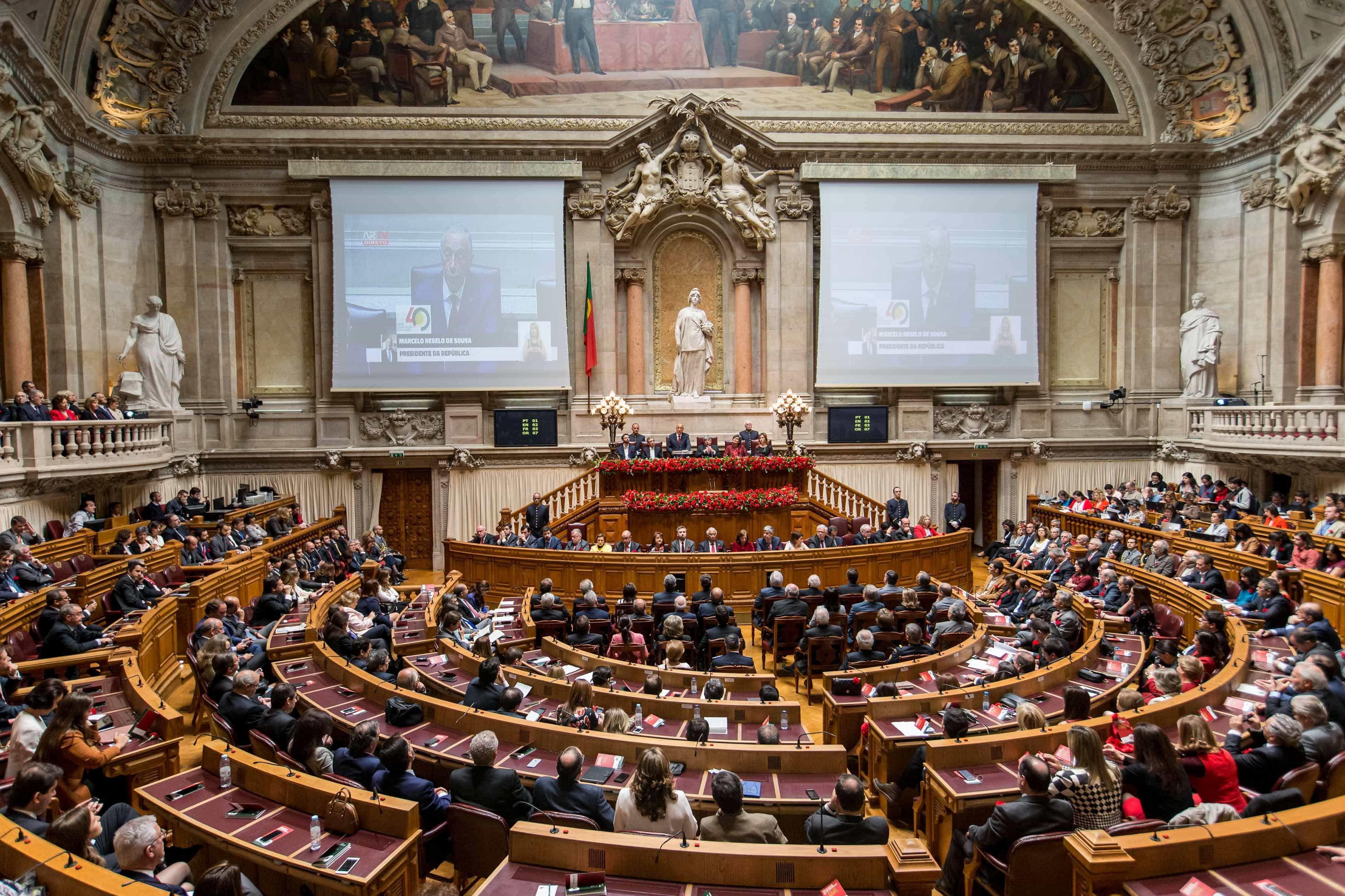 25 Abril: Parlamento celebra 45 anos da Revolução e abre portas ao povo