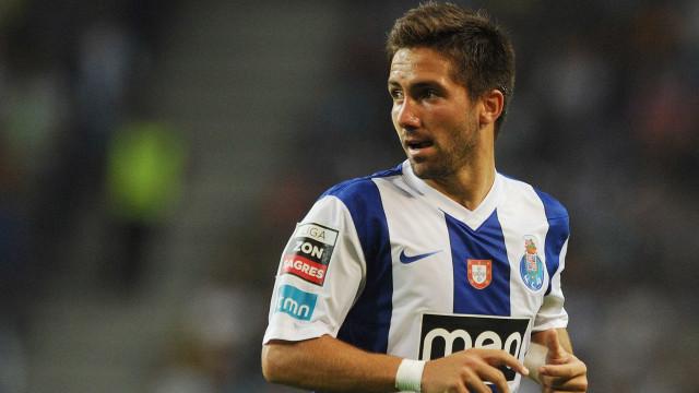 'Guerra' entre FC Porto e Sporting por Moutinho chega ao fim