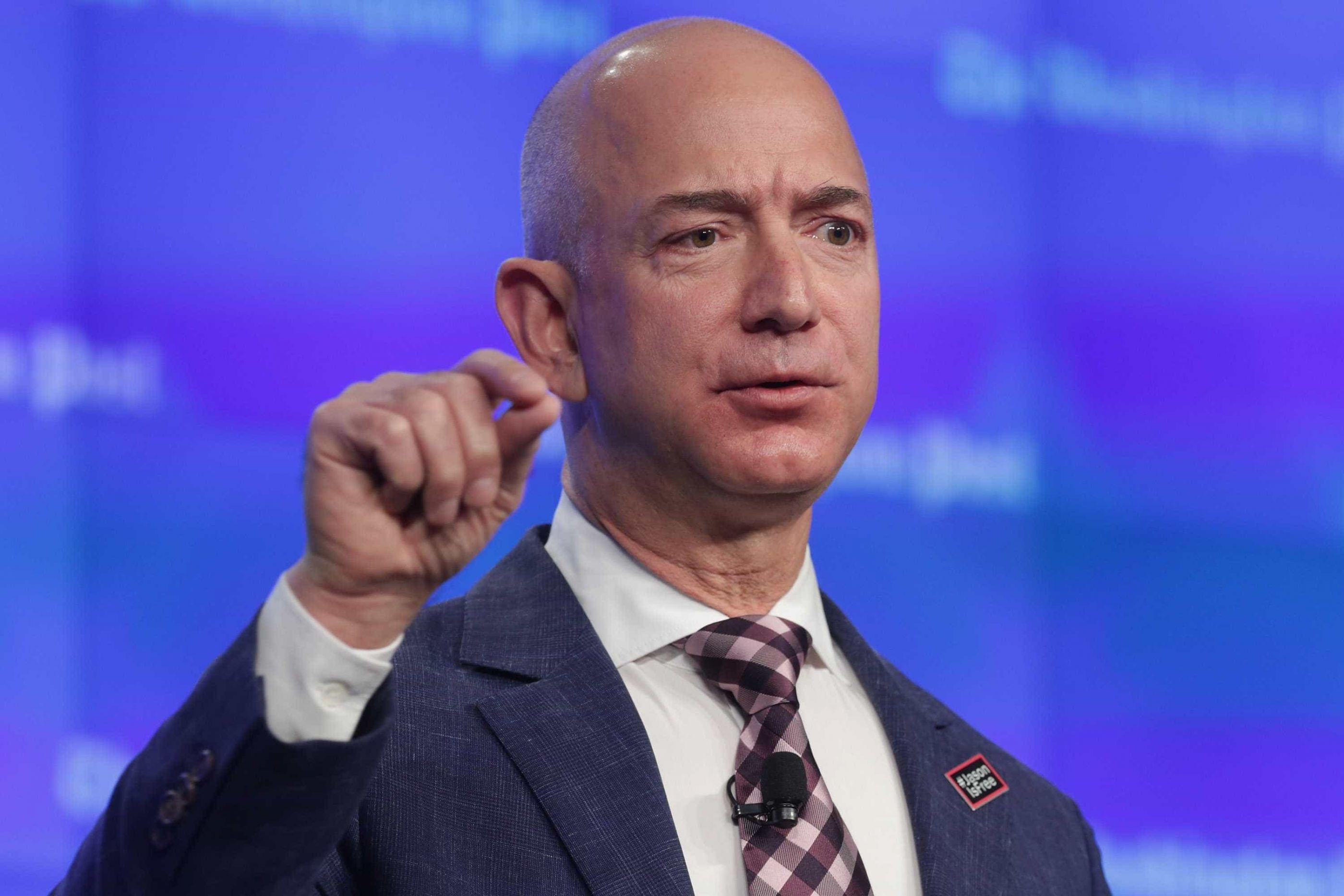 CEO da Amazon alerta acionistas para falhas multimilionárias