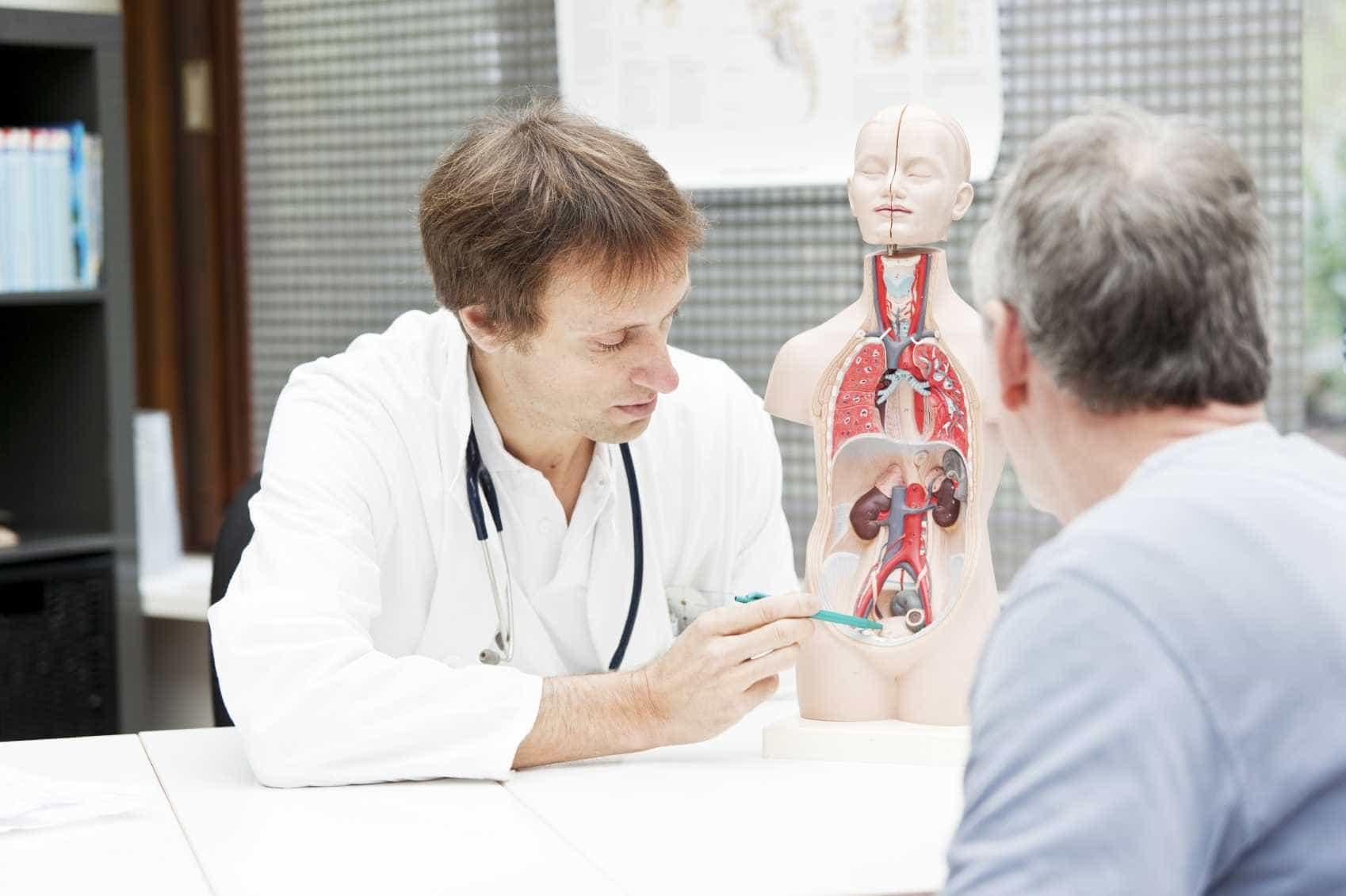 врач уролог андролог на приеме