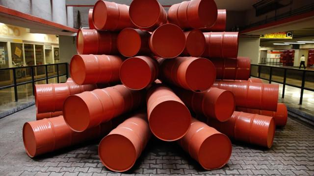 EUA: Boicote ao petróleo iraniano é essencial à paz no Médio Oriente