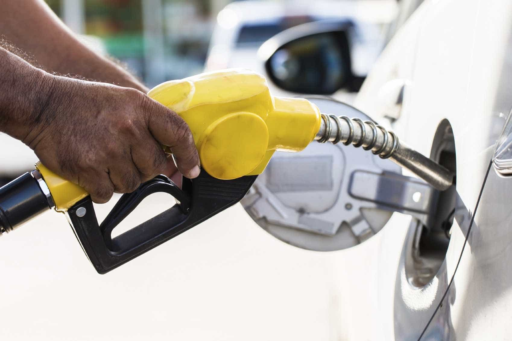 Governo baixa em 3 cêntimos ISP sobre gasolina a partir de 1 de janeiro