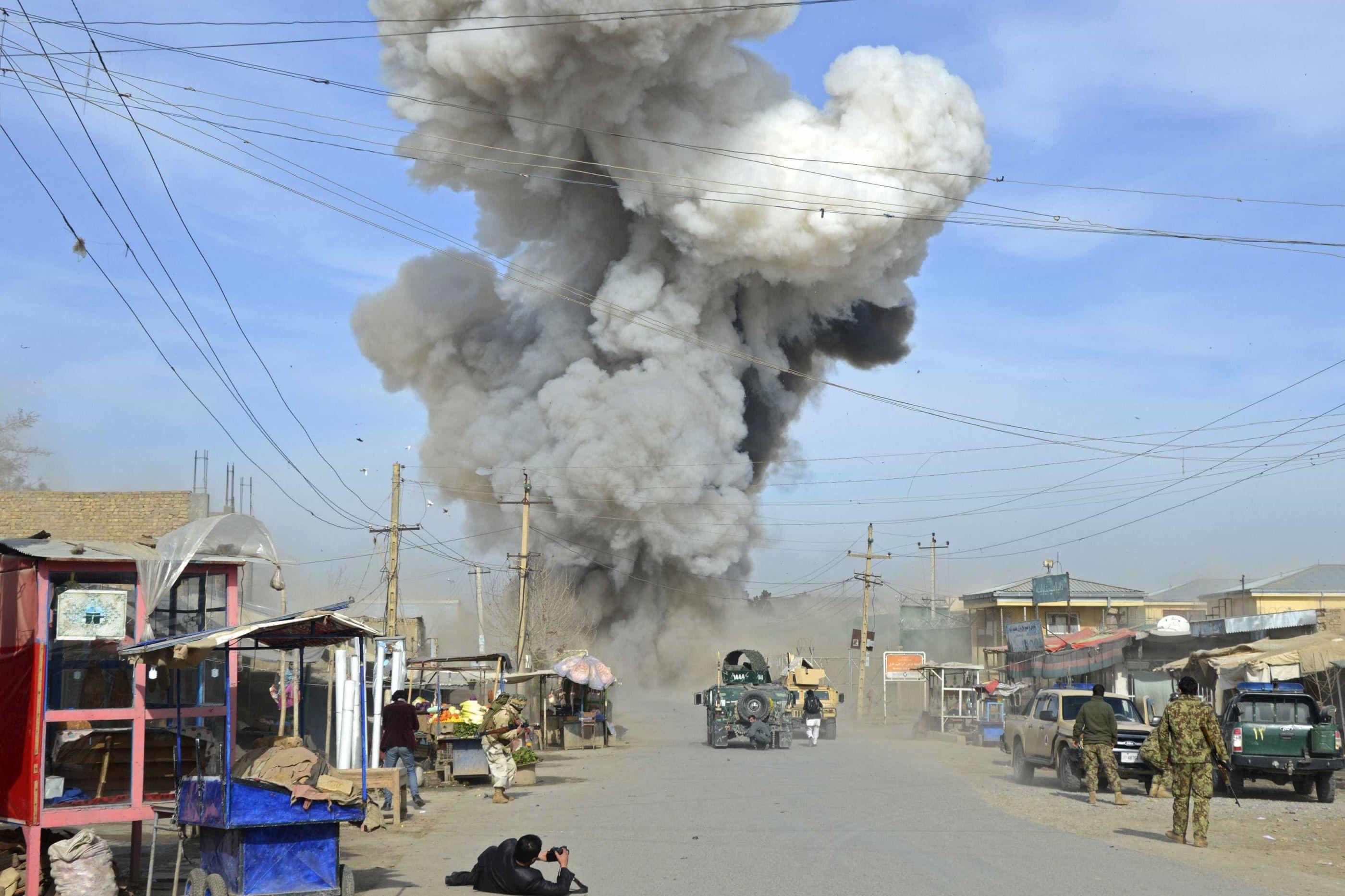 Explosão em Cabul faz pelo menos 40 mortos